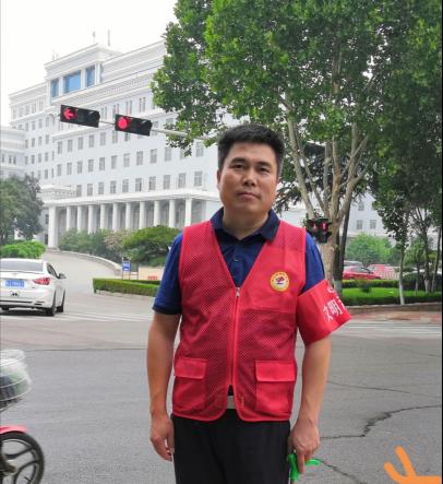 文联 最美志愿者-刘言良1428.png